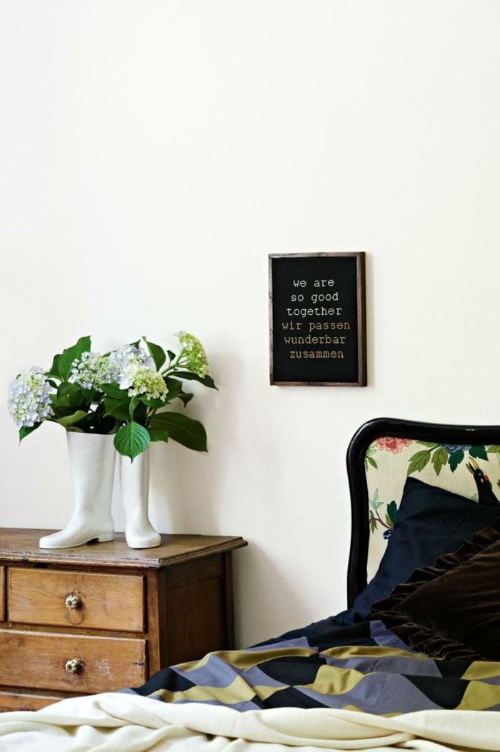 deko ideen schlafzimmer pflanzen coole blumenvase schöne bettwäsche