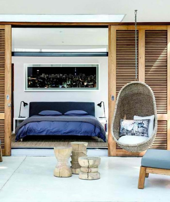 deko ideen schlafzimmer weiße wände dunkelblaue bettwäsche