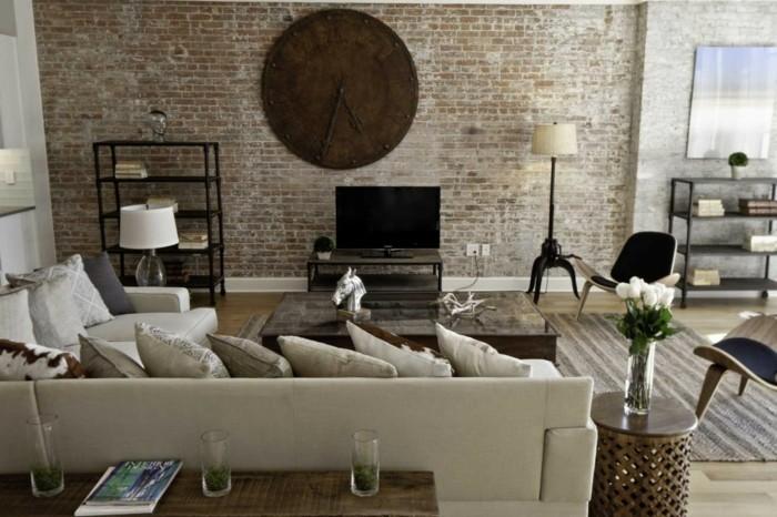 dekoideen wohnzimmer vintage wanduhr ziegelwand