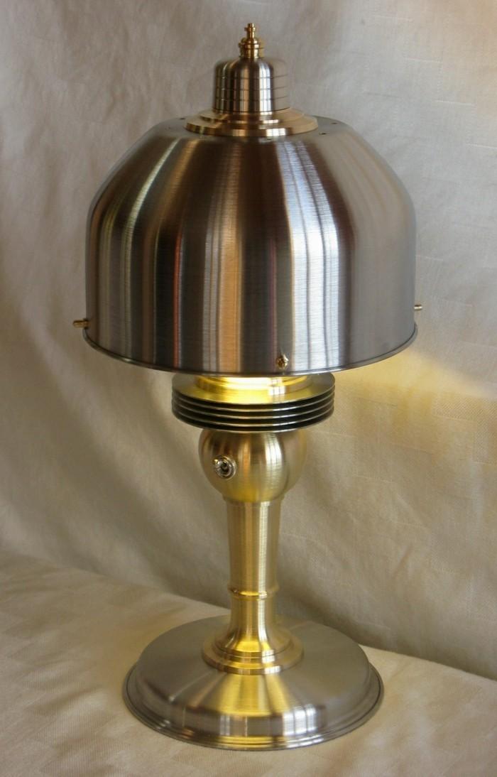 diy lampe maschinenteile wiederverwendete materialien