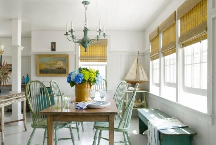 esszimmer landhausstil hrüne stühle und holztisch
