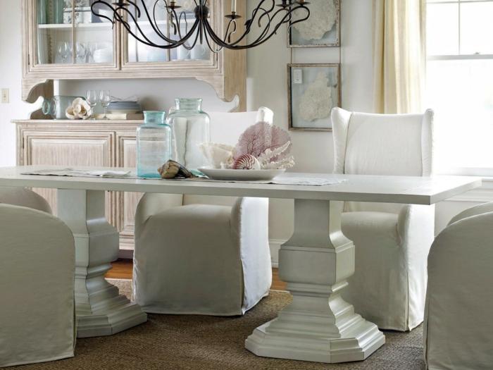 esszimmer landhausstil weiße möbel sisalteppich leuchter