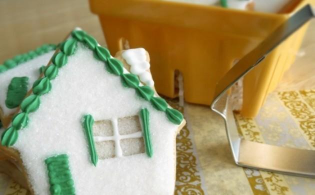geschenke-zum-einzug-geschenkideen-kuchen-hausform