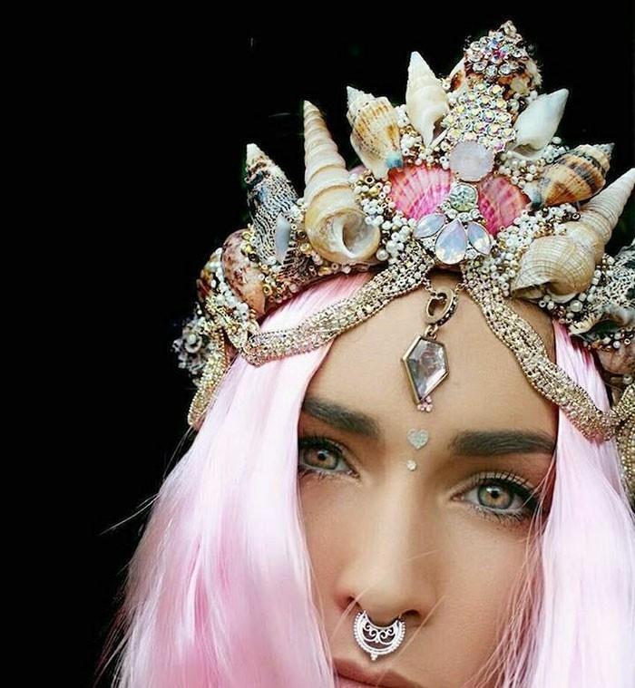 haarschmuck kopfschmuck meerjungfrau rosa haare nasenring