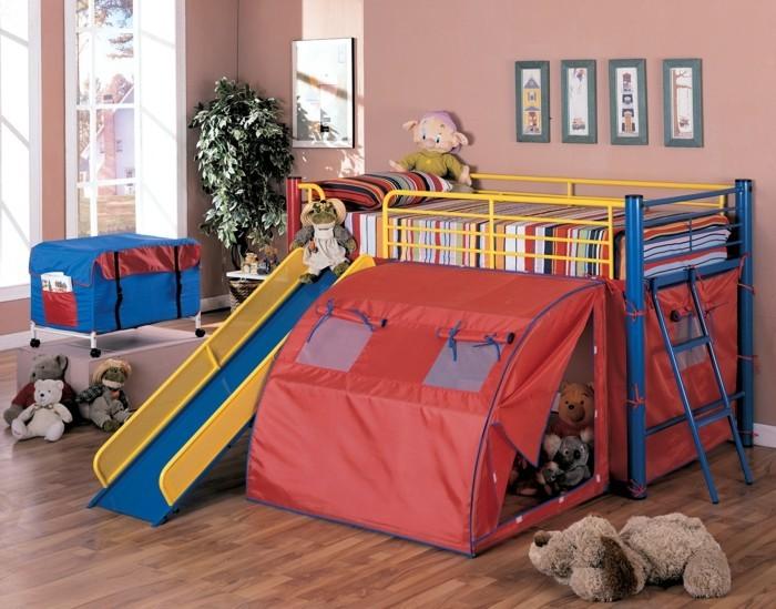 hochbett mit rutsche farbige wände spielzeuge
