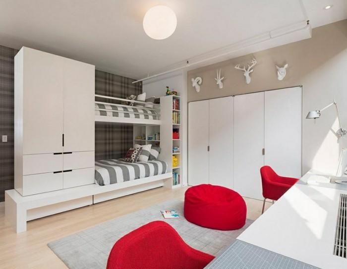 hochbett mit schrank funktionales design rote sitzmöbel