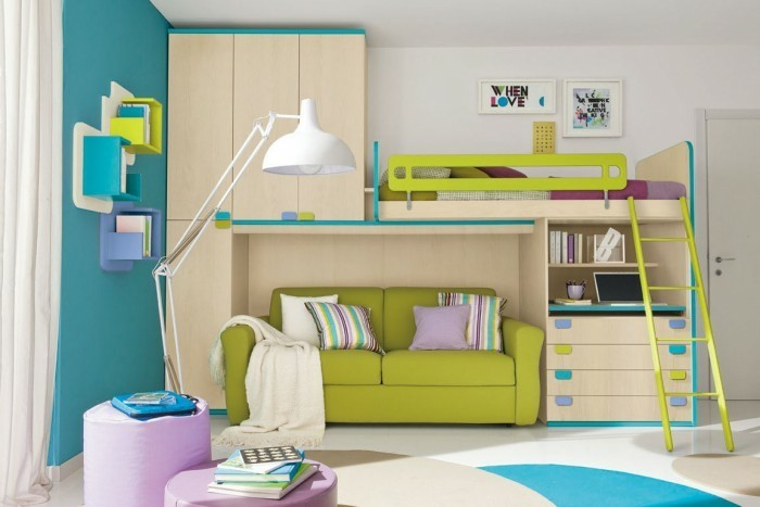 hochbett mit schreibtisch funktionale betten finden ihren richtigen platz im kinderzimmer. Black Bedroom Furniture Sets. Home Design Ideas