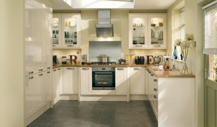 küche streichen creme einrichtung graue bodenfliesen