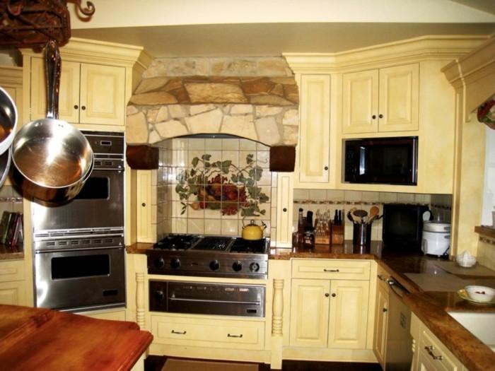 küche streichen ideen creme küchenschränke klreine küche einrichten
