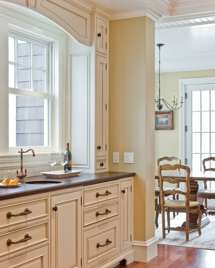 küche streichen in creme und ein harmonisches innendesign schaffen