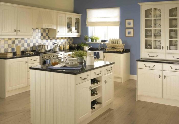 küchendesign in creme stilvolle küchenschränke und holzboden