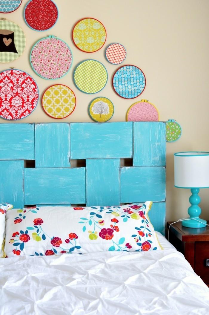 kinderzimmer deko ideen blaues bettkopfteil schöne wanddeko