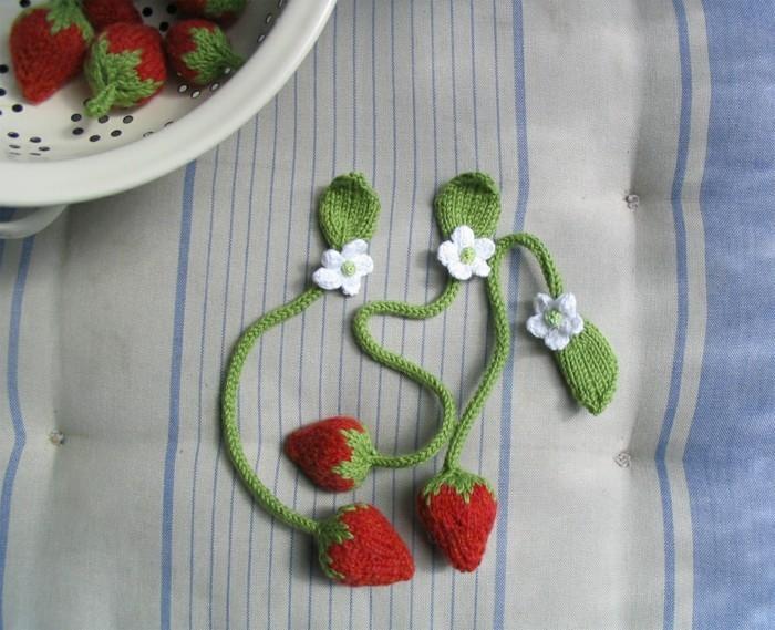 kreatives basteln erdbeere lesezeichen häkeln