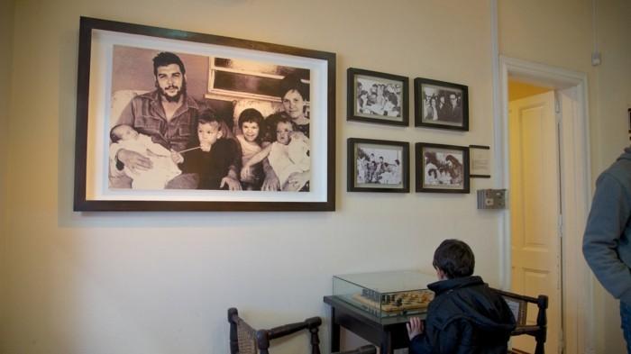 kuba reisen individuell strassen in kuba das museum chegevara