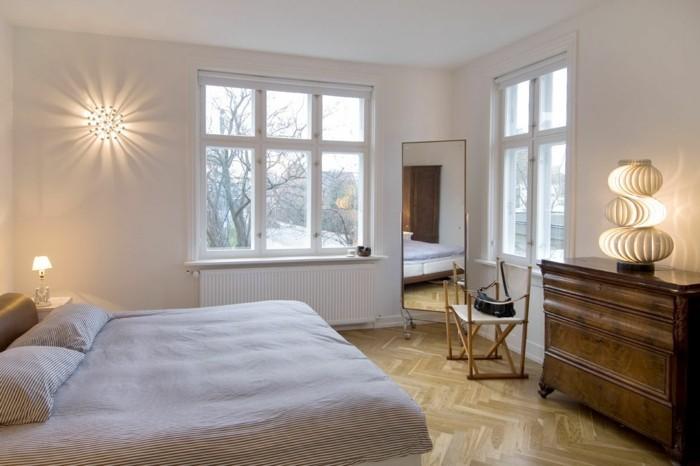 lampe schlafzimmer tischleuchte wandlampe bodenbelag ideen streifenmuster bettwäsche
