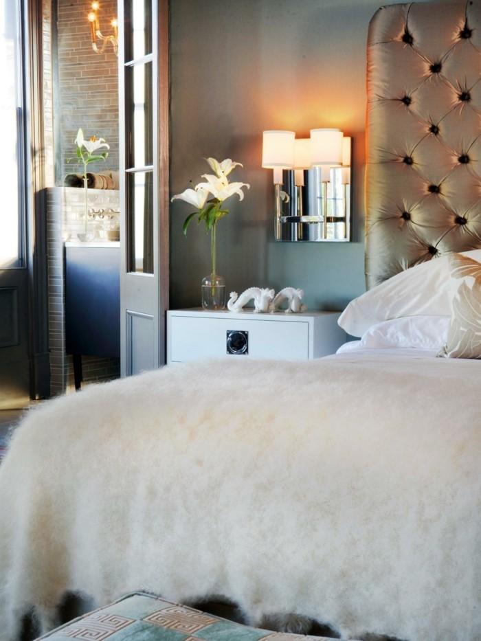 lampe schlafzimmer wandlampe schöne bettwäsche