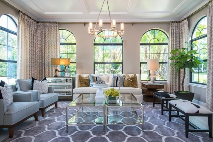 Lampen Wohnzimmer Glastisch Eleganter Teppich Pflanzen Tischlampen