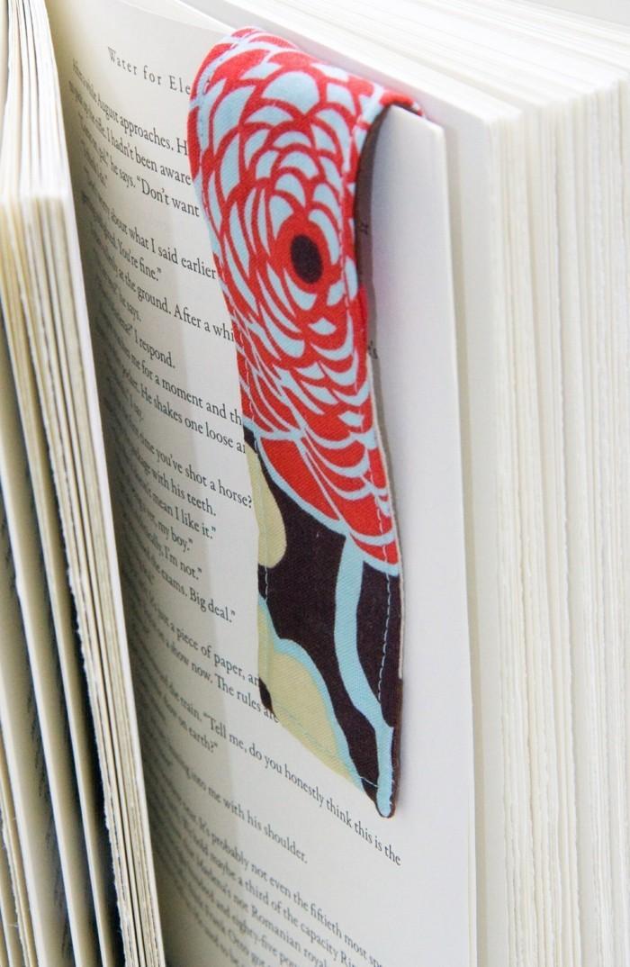 lesezeichen basteln kreativ basteln farbig stoff
