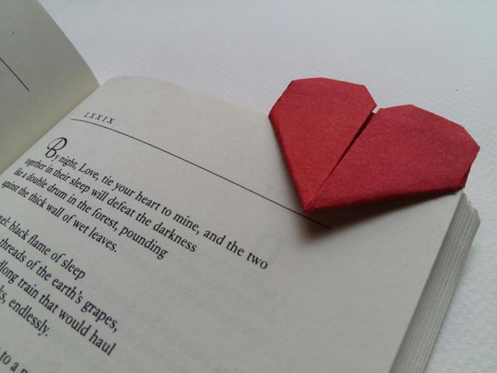 lesezeichen selber machen origami herz kreativ basteln