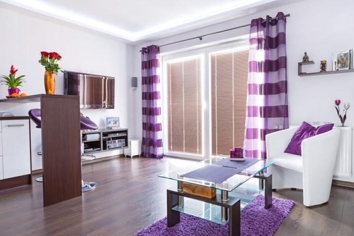 Lila Teppich Sorgt F 1 4 R Eine Gehobene Atmosphre Im Raum