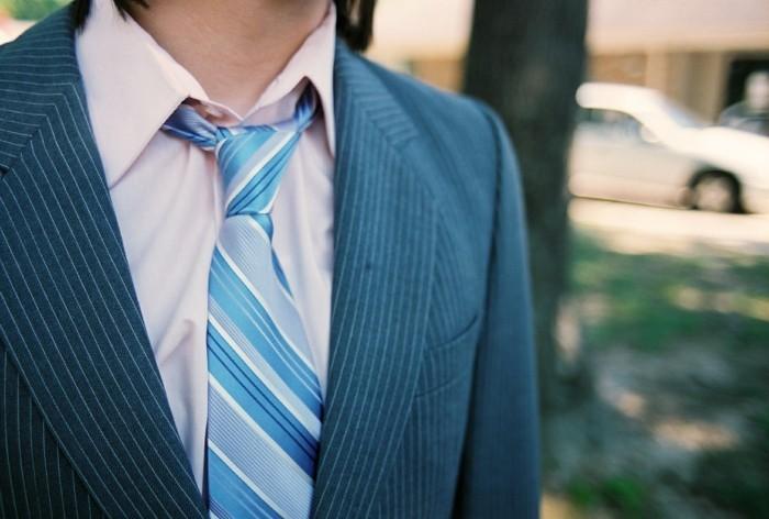 männermode herrenmode krawatte streifen rosa hemd sakko
