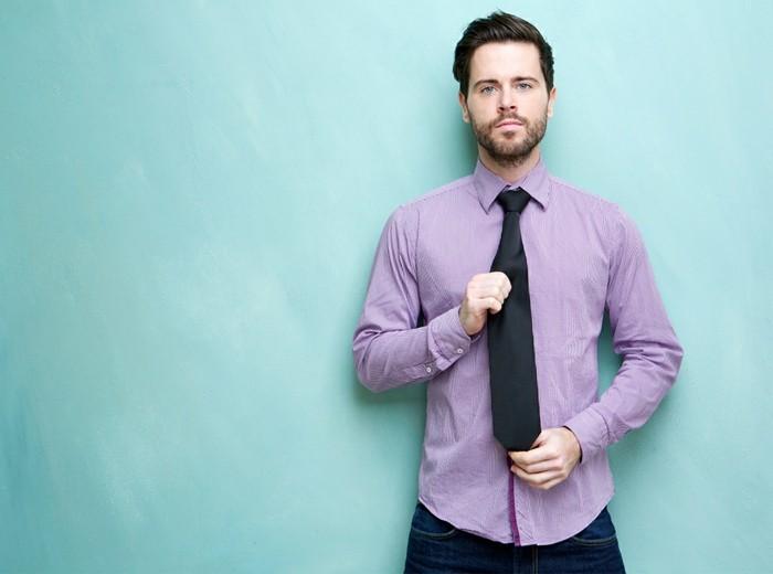 männermode herrenmode lila hemd schwarze krawatte