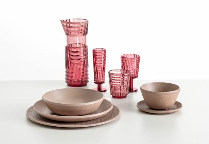 partygeschirr bunter kunststoff rosafarbene gläser kanne teller schalen trama kartell