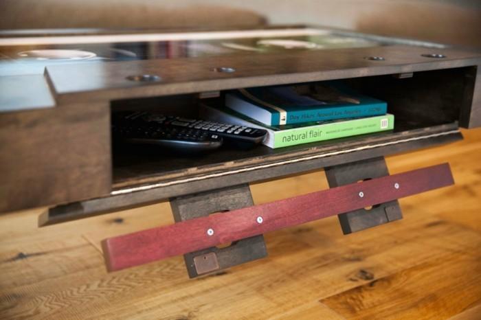 retro couchtisch tonband design stauraum