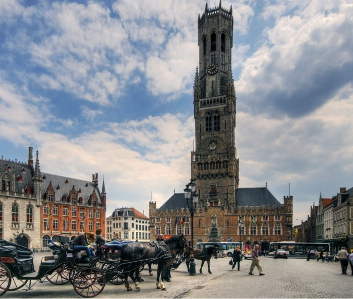 sehenswürdigkeiten brügge belgien daemmerung stadt mitte belgische waffeln fritten museum