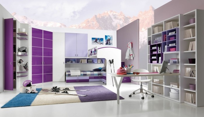 lila teppich sorgt f r eine gehobene atmosph re im raum. Black Bedroom Furniture Sets. Home Design Ideas