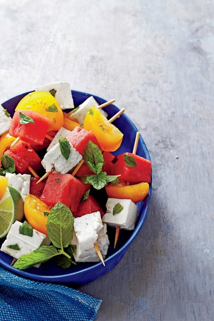 tomaten gesund frischer salat fetkäse wassermelone minzblätter