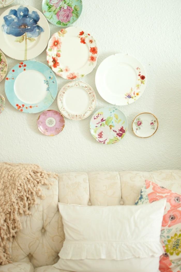 wände dekorieren teller farbige wanddeko ideen wohnzimmer