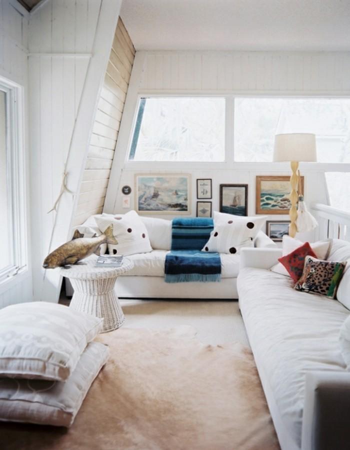 wandbilder wohnzimmer weiße möbel teppichboden beige