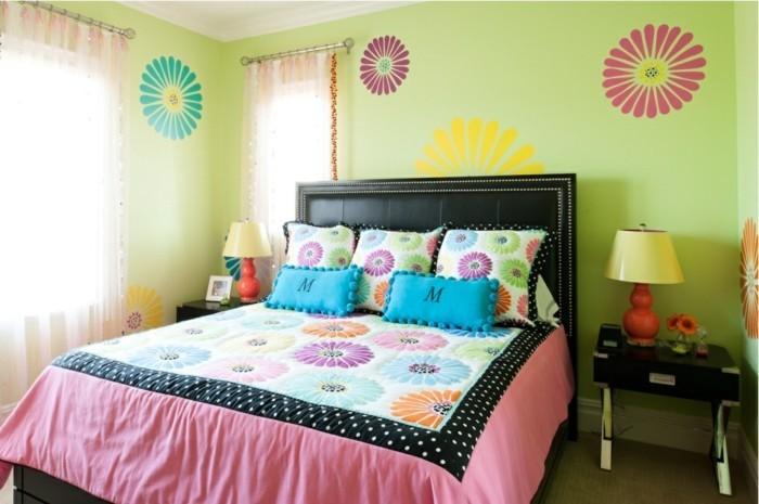 wanddeko ideen mädchenzimmer grüne wände farbige bettwäsche dekokissen