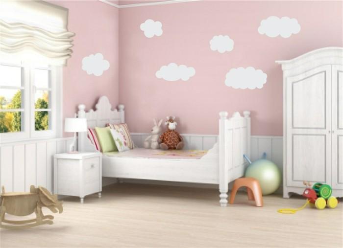 wandmalerei kinderzimmer mädchen wolken hellrosa wandfarbe