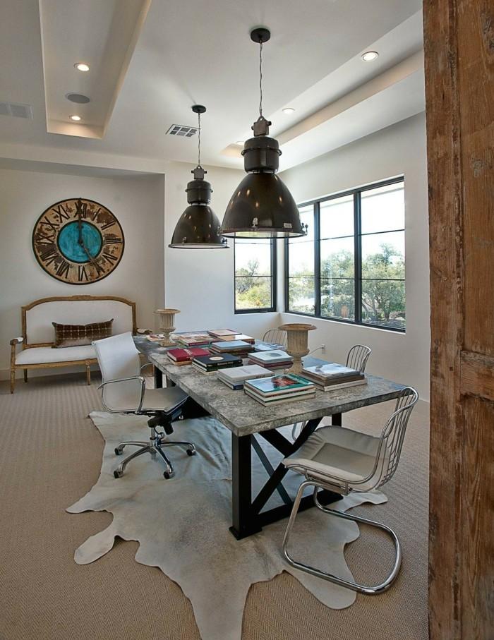 wanduhr vintage wohnideen wohnzimmer fellteppich hängelampen