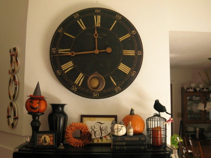 wanduhr vintage wanddeko halloween dekoideen