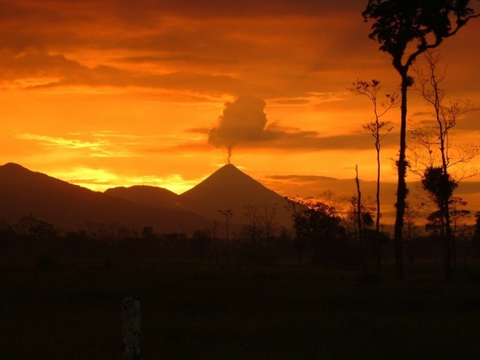 weltreisen weltreise costa rica ferien natur park vulkan sonnenuntergang