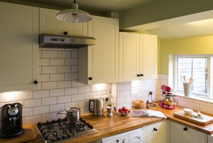 wohnideen küche creme farbenunancen wände metro fliesen