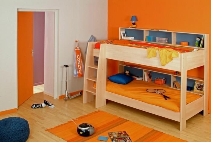 wohnideen kinderzimmer oranger teppich orange wandfarbe blauer hocker