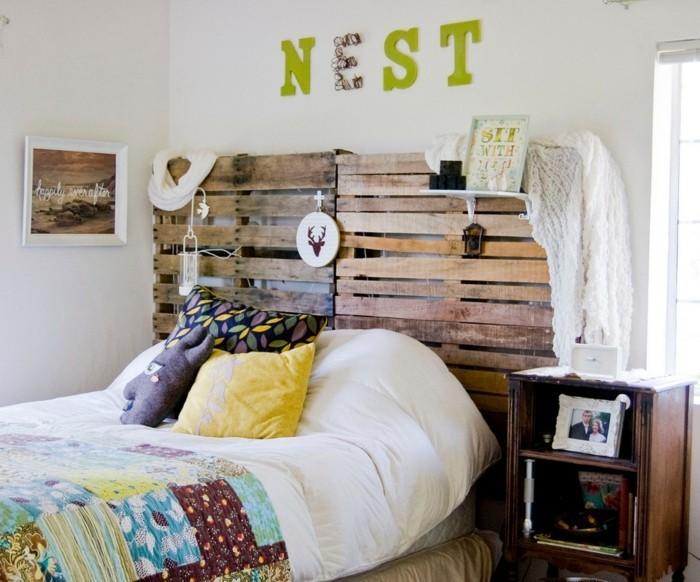 wohnideen schlafzimmer bettkopfteil farbige bettwäsche