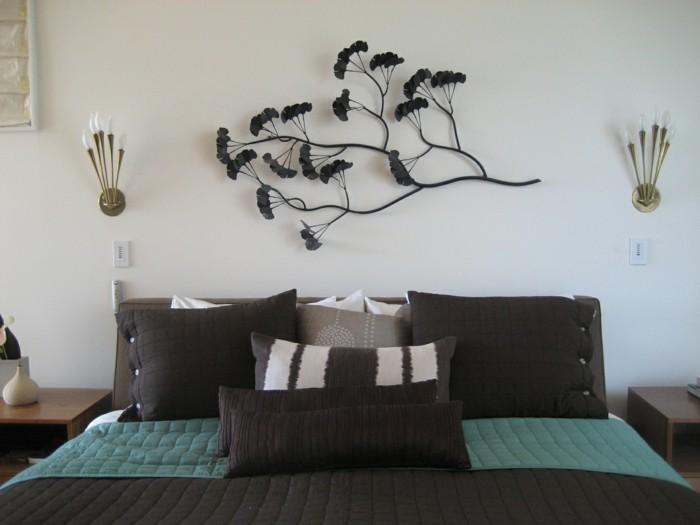 wohnideen schlafzimmer schöne wanddeko dunkle bettwäsche