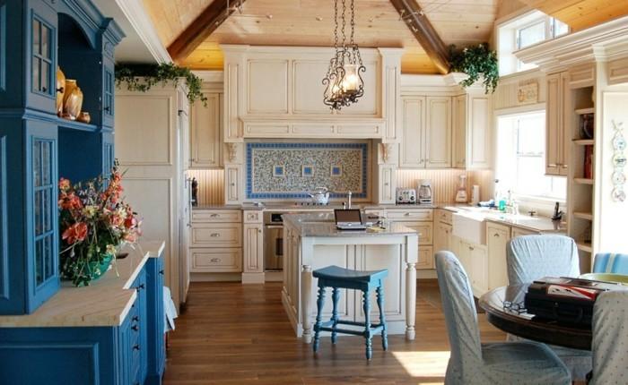 wohnungseinrichtung grelle farben kücheneinrichtung vitrinenschrank