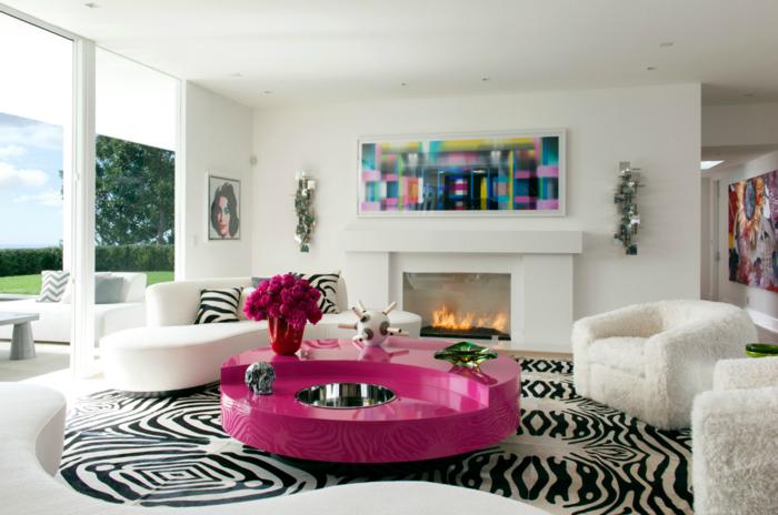wohnungseinrichtung runder couchtisch violett trendy zebra teppich