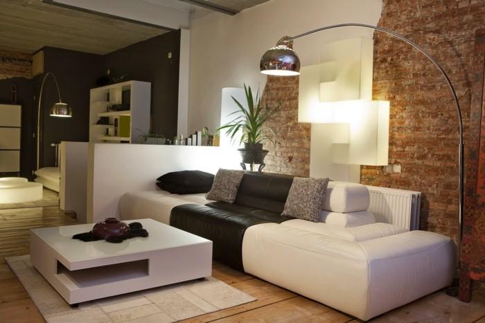wohnzimmer lampen wohnideen stehlampe holzboden ziegelwand