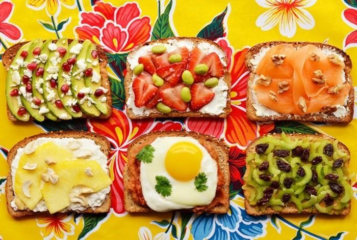 brotaufstriche frühstücksideen avokado gesund brot basilikum gruppe2