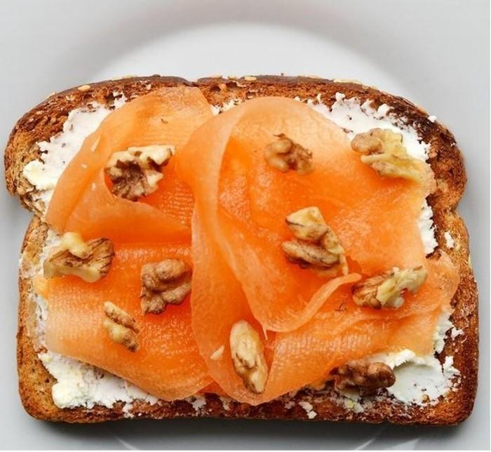 frühstücksideen frühstücksideen avokado gesund brot basilikum ziegenkäse