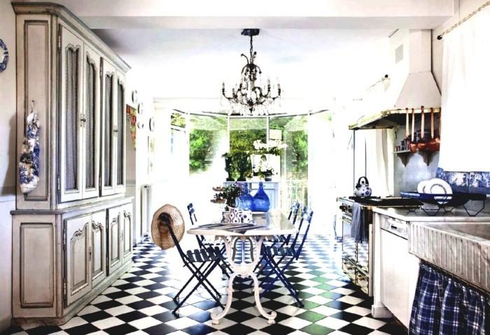 einrichtung landhausstil küche französischer stil blaue elemente