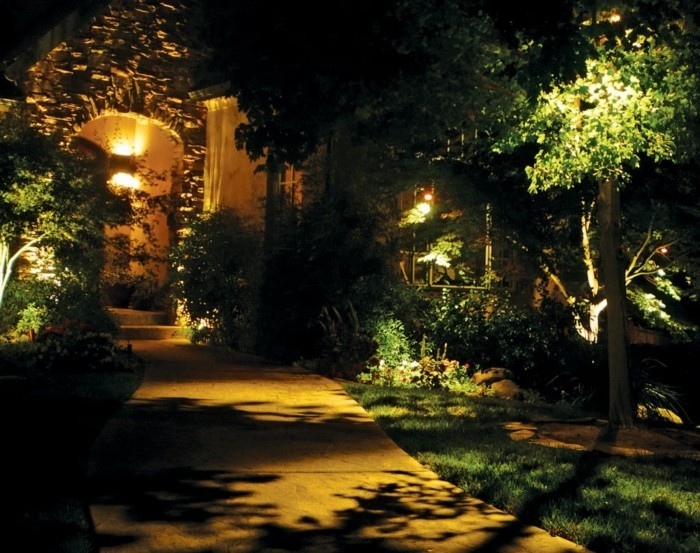 garten- gestalten bilder beleuchtung gartenweg pflanzen
