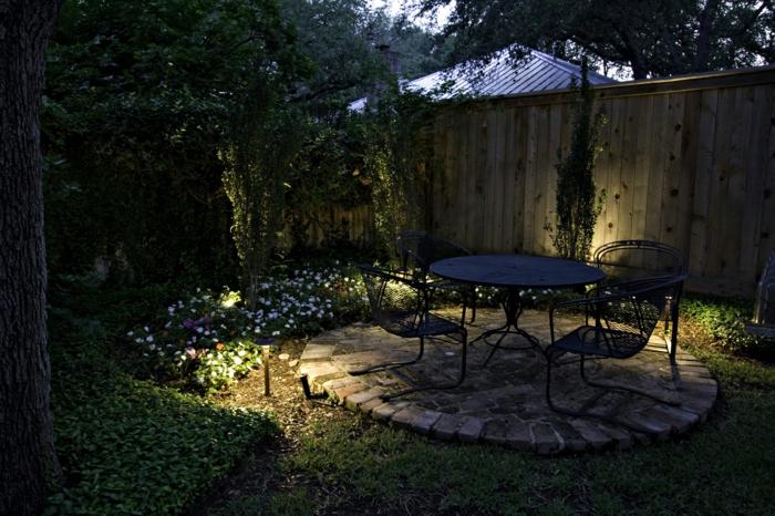 garten gestalten bilder hinterhof gestalten beleuchtung blumen
